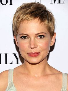 michelle williams, warm blonde pixie