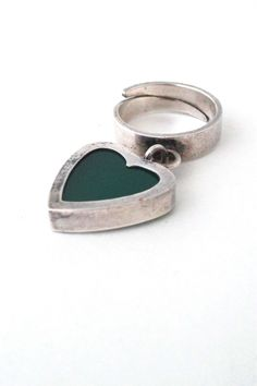 Matti Hyvarinen 'kinetic heart' ring
