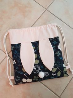 Sewing For Kids, Baby Sewing, Diy Back To School, Fabric Bags, Kids Bags, Baby Accessories, School Bags, Diaper Bag, Gym Bag