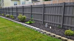 Fiberon Zaun Pine Privacy - how to build a fence Small Backyard Landscaping, Backyard Garden Design, Small Garden Design, Backyard Fences, Front Yard Landscaping, Decking Fence, Backyard Ideas, House Landscape, Landscape Design