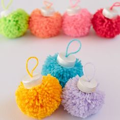 25 Pom Pom Christmas Decorations That Spells Out Love and Joy Looking for Unique Christmas decoration idea? Here are best Pom Pom Christmas Decorations ideas for you. Try these Christmas decorations & you'll love it. Unique Christmas Decorations, Diy Christmas Ornaments, Spring Crafts, Christmas Projects, Holiday Crafts, Christmas Crafts, Pom Pom Crafts, Yarn Crafts, Crafts For Teens To Make