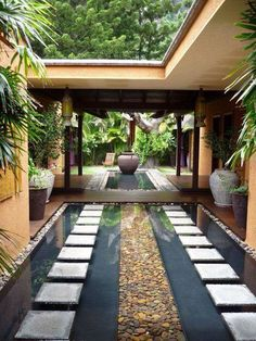 All the secrets to create a zen garden decor and 70 inspiring photos Are you thinking of rearranging your outdoor space, but are not sure of the preferred style? Today, we will inspire you to adopt the zen garden decor . Landscape Architecture, Landscape Design, Architecture Design, Garden Design, House Design, Architecture Courtyard, Desert Landscape, House Landscape, Urban Landscape