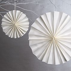 How to make paper rosettes
