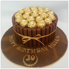 Ferrero Rocher Schokoladen-Geburtstagstorte You are in the right place about birthday cake ideas Here we offer you the most beautiful pictures about the birthday cake designs you are looking for. Chocolat Ferrero Rocher, Torta Ferrero Rocher, Rocher Torte, Ferrero Rocher Chocolates, Chocolate Bouquet, Chocolate Cake, Ferrero Chocolate, Tienda Chocolate, Watermelon Cake Pops