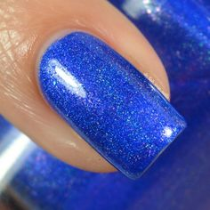 Girly Bits Dancing in the Moonlight - August 2016 COTM - Limited Edition  Dancing in the Moonlight is a saturated mid tone blue low density holo, with a pink flash, and green shimmer.
