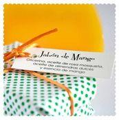 JABÓN DE MANGO  Para exóticas y rompedoras.  Ingredientes: Glicerina, aceites de rosa mosqueta y almendras dulces, esencia de mango.  Jabón de 170 gr. (aproximadamente)