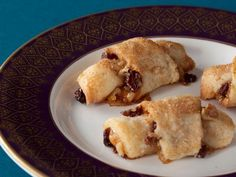 Our Best Christmas Cookies Rugelach : Celebrate Hanukkah with Ina Garten's tender cookies filled with apricot jam, cinnamon Best Christmas Cookies, Holiday Cookies, Christmas Treats, Christmas Goodies, Food Network Recipes, Food Processor Recipes, Cooking Network, Cookies Receta, Rugelach Cookies