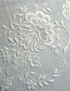 """ru / GWD - Альбом """"Richelieu scheme I"""" Cutwork Embroidery, Hand Embroidery Stitches, Simple Embroidery, White Embroidery, Embroidery Techniques, Embroidery Patterns, Machine Embroidery, Brazilian Embroidery, Linens And Lace"""