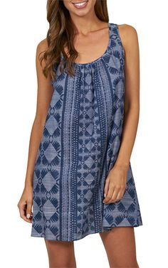 The tailored A-line shape and easy-to-wear print of this dress will set the tone for your summer. With a printed Indigo hue, expect an ensemble that perfects weekend style.#JETSSwimwear