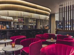 The Café Royal bar of the Radisson Blu Royal Hotel in Copenhagen designed by Arne Jacobsen Royal Copenhagen, Copenhagen Hotel, Copenhagen Design, Space Copenhagen, Hotel Lobby Design, Wall Cladding Designs, Counter Design, Das Hotel, Hotels