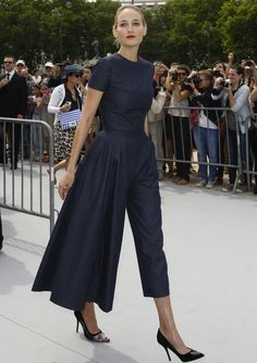 Leelee Sobieski in Christian Dior at Christian Dior Fall 2013.