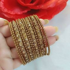 No photo description available. Wedding Jewellery Designs, Gold Ring Designs, Fancy Jewellery, Silver Jewellery Indian, Indian Bangles, Ankle Jewelry, Hand Jewelry, Jewlery, Thread Bangles Design