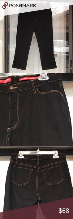 """NYDJ black tummy tuck cropped jeans nwot Newer worn just to try on,11""""rise NYDJ Jeans Ankle & Cropped"""