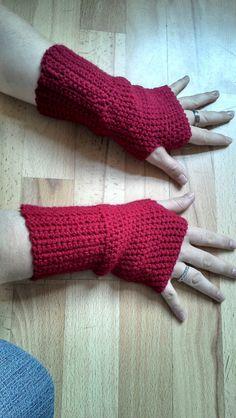 Bits & Bobbles : Crochet Fingerless Gloves Pattern