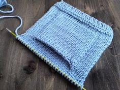 Attached I Cord - How to Knit - Knitting Techniques // ♛ Lina Neva Knitting Videos, Arm Knitting, Knitting Stitches, Crochet Coat, Filet Crochet, Crochet Yarn, Baby Knitting Patterns, Baby Hut, Crochet Leaves