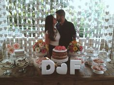 CASO REAL: O Chá-Bar DIY da Débora e do Felipe - cha-de-panela-caso-real - cha bar debora felipe ceub 3 Diy Wedding, Rustic Wedding, Wedding Pins, Winter Engagement Party, Diy Bar, Couple Shower, Fiesta Party, Simple Weddings, Reception Decorations