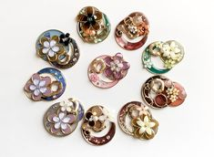 Plastic Resin, Shrink Plastic, Resin Crafts, Projects To Try, Stud Earrings, Handmade, Jewelry, Hand Made, Jewlery