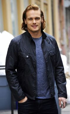 Sam-Heughan-2016-Candid-Picture-001