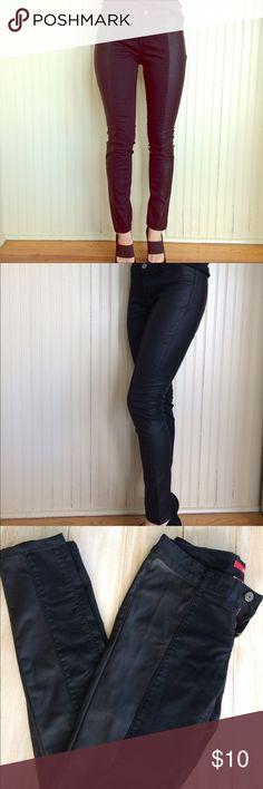Bongo black skinny jeans with side scuba detail. Bongo juniors size 7 black skinny jeans with side scuba detail. Barely worn. Cotton/polyester/spandex. BONGO Jeans Skinny