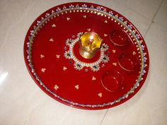 Thali Decoration Ideas, Thread Bangles, Handmade Jewellery, Wedding Decorations, Christmas Tree, Plates, Baking, Holiday Decor, Red
