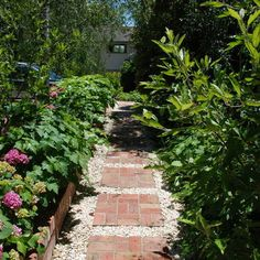 Crushed Gravel Walk Way Design, Pictures, Remodel, Decor and Ideas | #landscape