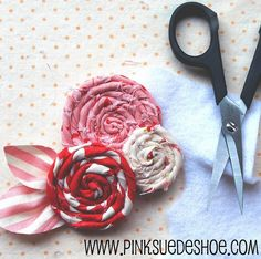 scrap fabric flower tutorial (to embellish a crown? add to headband? make into a pin?) scrap fabric flower tutorial (to embellish a crown? add to headband? make into a pin? Fabric Rosette, Fabric Flower Brooch, Fabric Flower Tutorial, Fabric Ribbon, Rose Tutorial, Fabric Flower Pins, Rolled Fabric Flowers, Cloth Flowers, Felt Flowers