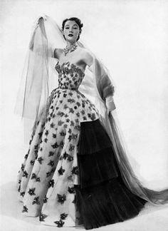 Sophie Malgat 1951 in Jacques Fath