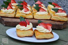 Rasucite cu branza - CAIETUL CU RETETE No Cook Desserts, Dessert Recipes, Cheesecake, Cooking, I Love, Sweets, Raffaello, Kitchen, Cheesecakes