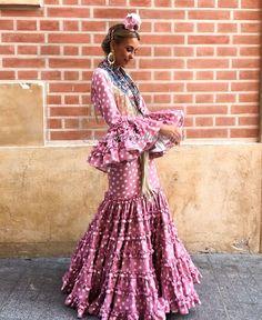 Instagram, Dresses, Fashion, Templates, Favorite Color, Vestidos, Moda, Fashion Styles, Dress
