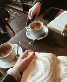 Shared by 🌸happy thoughts🌸. Find images and videos about aesthetic, book and coffee on We Heart It - the app to get lost in what you love. Coffee Shop Aesthetic, Book Aesthetic, Coffee Date, Coffee Break, Morning Coffee, Momento Cafe, Cafe Rico, Arden Rose, Coffee Photography