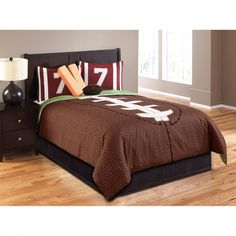 Boys queen size bedding - Want to give more prominence to the decoration of your boys single or double room? A beautiful set of queen size bedding is all you need to start changing the style of the room's composition. Boys Sports Bedding, Boys Comforter Sets, Teen Boy Bedding, Bedding Sets, Twin Comforter, American Football, Kids Bedroom, Bedroom Decor, Bedroom Ideas
