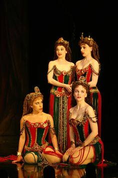 Photo of Jennifer Hope Wills as Christine Daae and Heather McFadden as Meg Giry with the ensemble in The Phantom of the Opera. Broadway Theatre, Phantom Of The Opera, Musical Theatre, Musicals Broadway, Theatre Costumes, Movie Costumes, Girl Costumes, Broadway Costumes, Movies