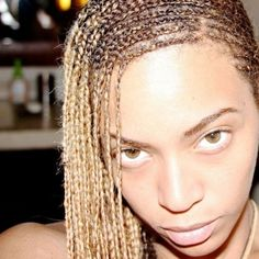 Blue Ivy Carter Walks in Beyonce's Shoes - See the Cute Pic!: Photo Beyonce's little girl Blue Ivy takes a walk in her mama's shoes in this adorable new photo shared to the singer's official website. The singer… Lemonade Braids Hairstyles, Afro Hairstyles, Black Women Hairstyles, Fancy Hairstyles, Celebrity Hairstyles, Beyonce 2013, Beyonce Memes, Blue Ivy Carter, Curls