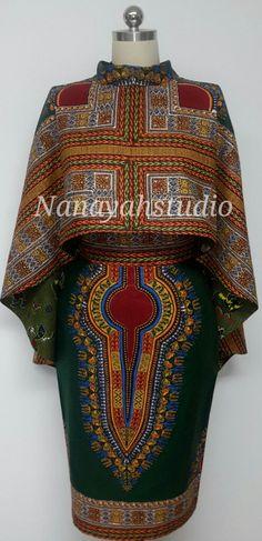 Deux pièces polyvalent Hi-Lo Cape réversible et jupe crayon. Impression d'Afrique. Dashiki. Fait à la main. par NanayahStudio