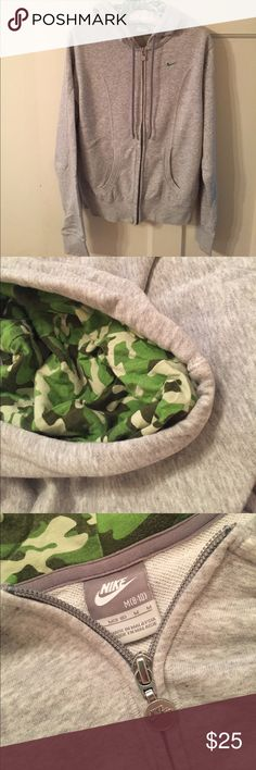 ⬇️PRICE DROP⬇️Nike hoodie Great hoodie for post workout, lounge gear, or casual wear. Fitted construction with front seams. Cute camo detail lining in hood. Nike Tops Sweatshirts & Hoodies