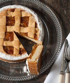 Κλασική αγαπημένη πάστα φλόρα με αλεύρι «Κέικ Φλάουρ» της ΑΛΛΑΤΙΝΗ, ένα πανεύκολο γλυκό που θα κεράσουμε με τον καφέ. Cake Bars, Sweet Pie, Food Art, Biscuits, Cheesecake, Food And Drink, Favorite Recipes, Sweets, Fruit