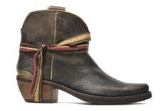 Flate Felmini (Marron) : livraison gratuite de vos Bottines et boots Flate Felmini chez Sarenza