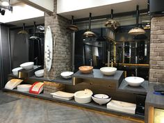 Sanitaryware display for shop in 2019 сантехника, декор зала Showroom Interior Design, Tile Showroom, Shop Front Design, Store Design, Accessories Display, Bathroom Accessories, White Laundry Rooms, Modern Bathtub, Bathroom Showrooms