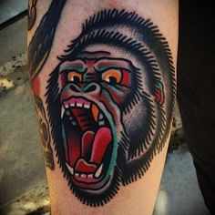 tattoo round tattoo old school tattoos old school gorilla tattoo . Traditional Tattoo Gorilla, Traditional Tattoo Design, Traditional Tattoo Flash, Gorilla Tattoo, Gorilla Gorilla, Silverback Gorilla, Head Tattoos, Body Art Tattoos, Rundes Tattoo