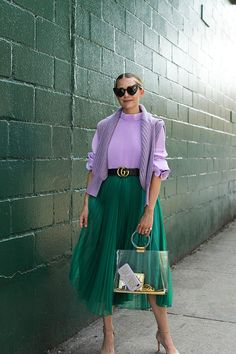 Blair Eadie of Atlantic-Pacific in a lilac Tibi top and green H&M skirt in NYC. Click through to shop all her favorite Tibi pieces! Colour Combinations Fashion, Fashion Colours, Colorful Fashion, Look Fashion, Autumn Fashion, Fashion Outfits, Fashion Design, Womens Fashion, Teenager Fashion Trends