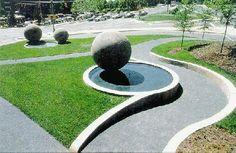 Nancy Holt - Dark Star Park (Uses circular Elements)