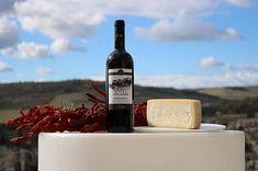 """""""Colore rosso granato con riflessi violacei. Presenta profumi di ciliegia mora e gelso rosso. Al palato gusto pieno e rotondo.""""   Sarà questo per voi il Raccomandato di @cantine_fiore che non mancherà di esaltare le sue qualità se accompagnato a #carni sughi di carni delicate e #formaggi semi-stagionati.  Cin cin   Per i vostri acquisti  bit.ly/2hya8PC  #murgiamadre #food #culture #territory #vino #wine #weareinpuglia #vieniamangiareinpuglia #tasting #south of #italy"""