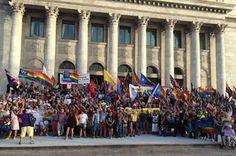Puerto Rico adoptará de inmediato cambios para reconocer matrimonio gay Informe21, 2015-06-26 http://informe21.com/actualidad/puerto-rico-adoptara-de-inmediato-cambios-para-reconocer-matrimonio-gay