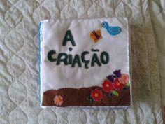 Usando feltro ... Painel e Quiet book    Hoje quero compartilhar um trabalho lindo feito a mão livre sem moldes pela mamãe Jéssica para su...