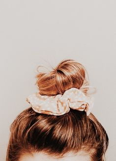 Messy Hairstyles, Summer Hairstyles, Scrunchy Hairstyles, Layered Hairstyles, Pretty Hairstyles, Hair Inspo, Hair Inspiration, Scrunchies, Lace Wigs