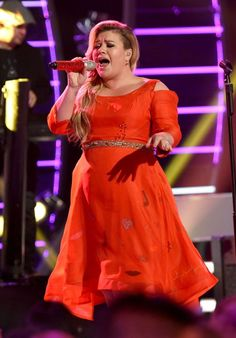 Fox News' Chris Wallace was a guest on conservative host Mike Gallagher's radio show Friday when the two began talking about Gallagher'. Kelly Clarkson Family, Kelly Clarkson Hair, Girl Bands, Boy Band, Miss Kelly, Kellie Pickler, Beautiful Disaster, Models, Female Singers