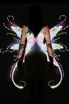 Projection photography Projector Photography, Light Photography, Shadow Painting, Projection Mapping, Angels And Demons, Chiaroscuro, Color Effect, Photo Projects, Photography Projects