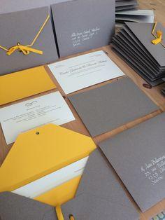 Invitaciones de boda gris-amarillo. Wedding invitations grey-yellow