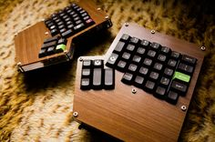 ergodox woodenlook 2013-10-25 44533 Key Caps, Tech Gadgets, Typewriter, Computer Keyboard, Keys, Raspberry, Gaming, Design, Keyboard