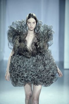 walking steel wool. most uncomfortable dress ever.